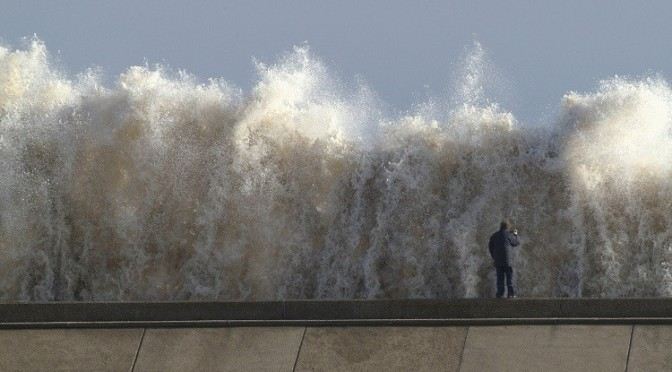 tidal-surge-britain-triggers-code-red-netherleands-pic-reuters